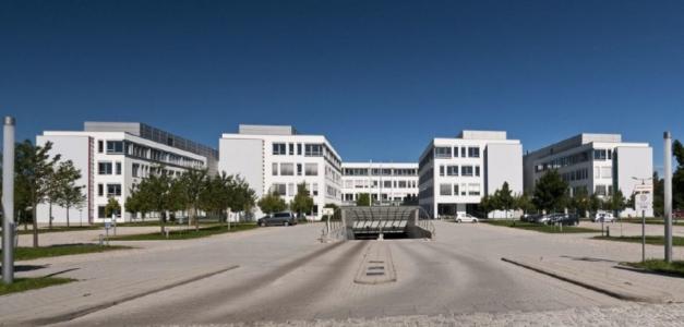 """die über 18.000 Quadratmeter große Büroimmobilie """"sunsquare"""""""